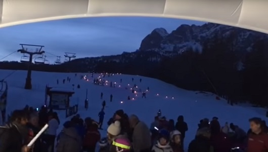Torchlight procession on the snow!